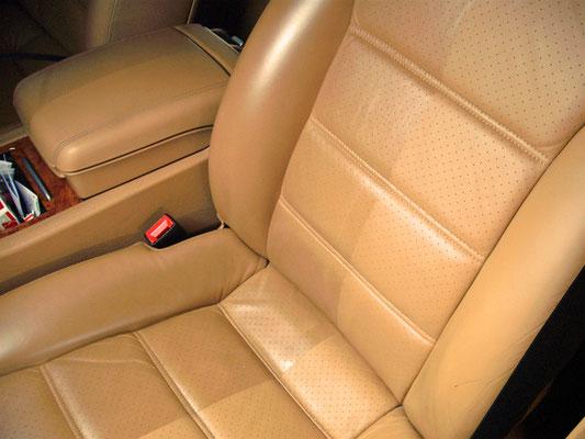 verschil tussen schoon en vuil na reinigen lederen autostoel | A1 Car Cleaning