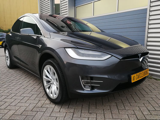 Tesla Model X, antraciet, lak en velgen behandeld met glascoating | A1 Car Cleaning