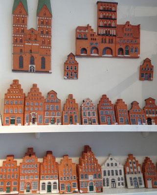 Häuserfassaden bekannter Altstadtbauten. Ein ganz besonderer Geschenke-Tipp!