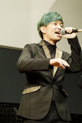 緑の髪色が似あうマース。