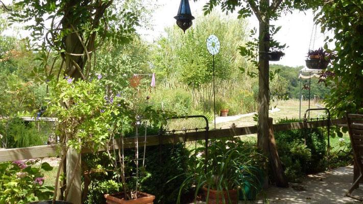 Und nun hängen und stehen sie überall im Garten...