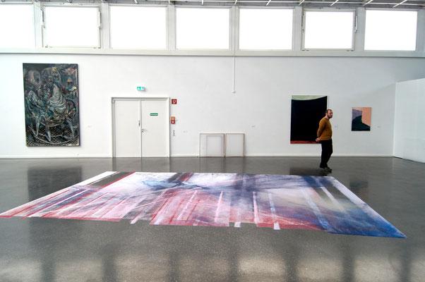GLISTER, Sand auf Boden, 4x6 m, Ausstellungsansicht  Junge Rheinland Pfälzer Künstler, Emy Roederpreis,  Kunstverien Ludwigshafen