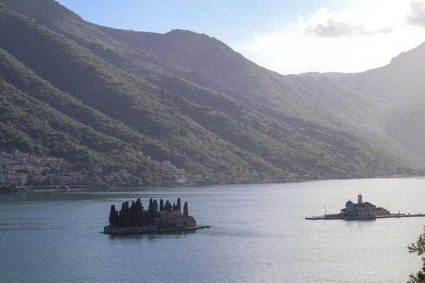Fahrt entlang der Bucht von Kotor