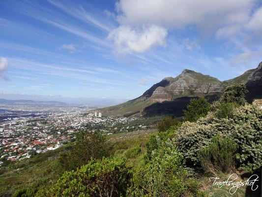 Blick von der unteren Seilbahnstation am Tafelberg