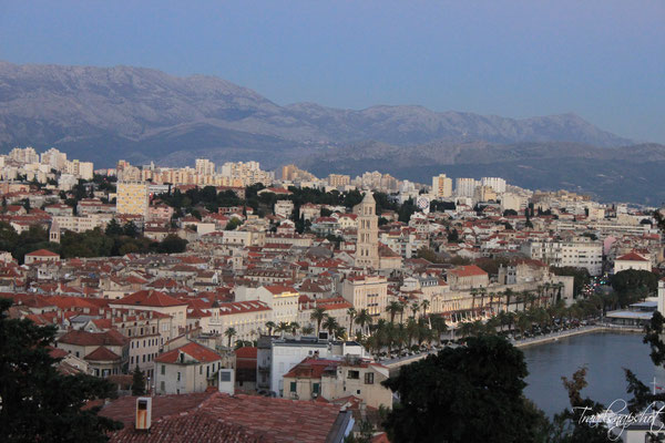 Blick vom Aussichtspunkt am Park Šuma Marjan