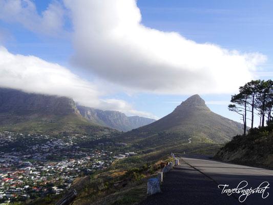 Blick vom Signal Hill zum Lion's Head und den 12 Aposteln (Bergette entlang der Küste)