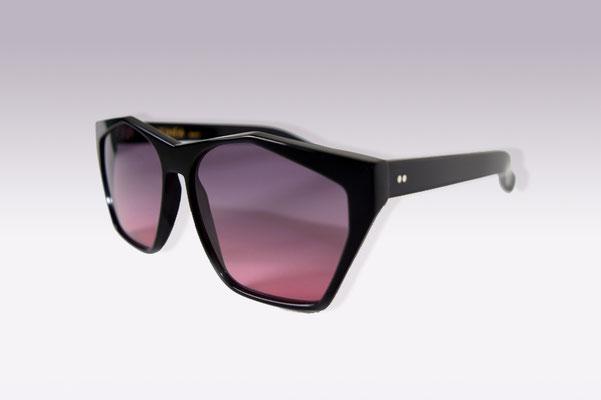 Antinea / black / grey pink gradient lens / size 55 / €169,00