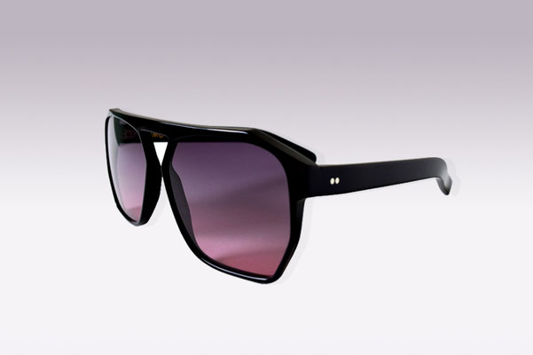 Simo / black / grey pink gradient lens / size 60 / €169,00 SOLD OUT
