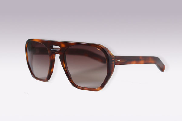 QB Victor / tortoise / brown gradient lens / size 56 / €169,00