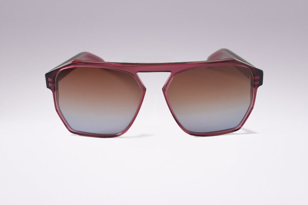 Simo / aubergine / brown grey gradient lens / size 60 / €169,00