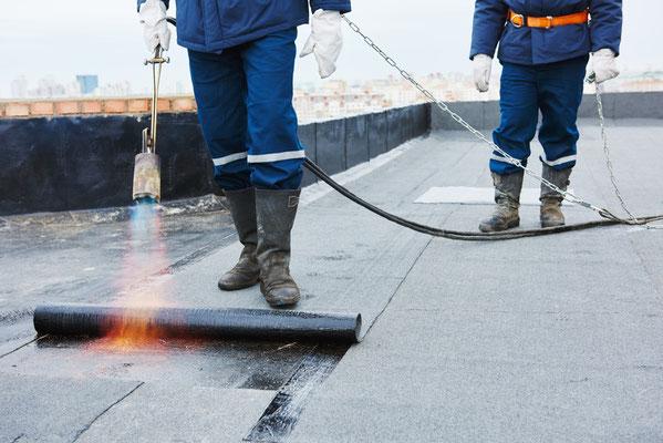 Dachdecker flachdach  Flachdach: Abdichtungsvarianten - Dachdecker und Spengler für Muenchen