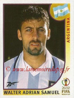 2002 - Panini FIFA World Cup Stickers - N° 390 - Walter Adrian SAMUEL (Argentine)