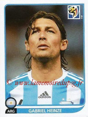 2010 - Panini FIFA World Cup South Africa Stickers - N° 110 - Gabriel HEINZE (Argentine)