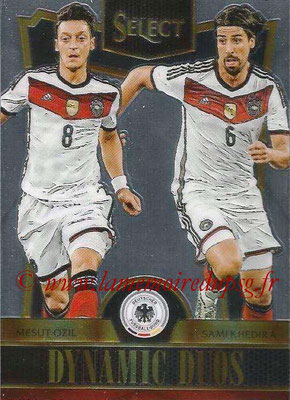 2015 - Panini Select Soccer - N° DD07 - Mesut OZIL + Sami KHEDIRA (Allemagne) (Dynamic Duos)