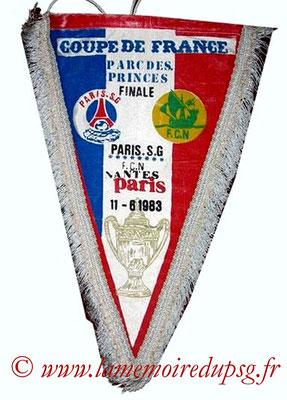 Grands fanions  PSG-Nantes  1982-83 (que je n'ai pas)