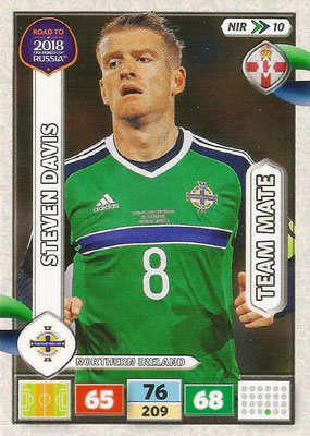 2018 - Panini Road to FIFA World Cup Russia Adrenalyn XL - N° NIR10 - Steven DAVIS (Irlande du Nord) (UK Version)