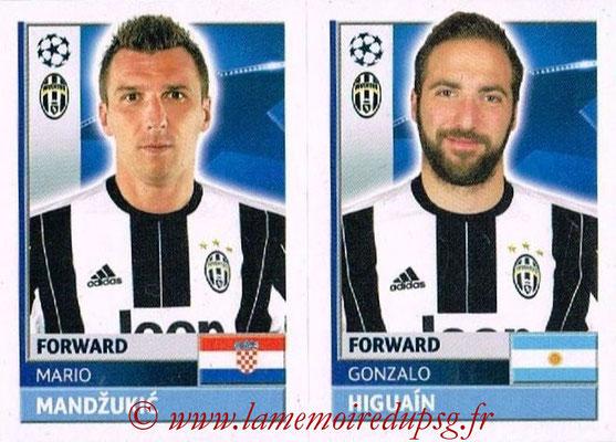 2016-17 - Topps UEFA Champions League Stickers - N° JUV 18-19 - Gonzalo HIGUAIN + Mario MANDZUKIC (Juventus FC)
