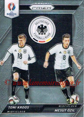 Euro 2016 Panini Prizm - N° CCD-14 - Toni KROOS + Mesut ÖZIL (Allemagne) (Country Combinaions Duals)