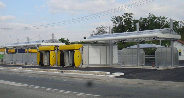 Charpente métallique pour station de lavage