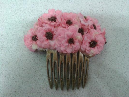 peinecillo de flores secas
