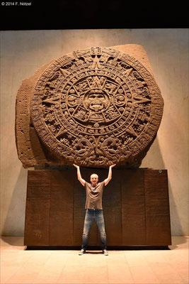Sonnenkalender der Azteken (anthropologisches Museum von Mexiko-Stadt)