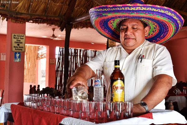 natürlich Tequila - in der Variation mit Soda und Kaffeelikör