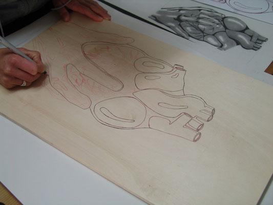 Zeichnung und Übertragen auf das Holz