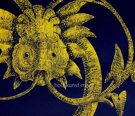 Holzschnitt Fisch, ornamental, gelb auf schwarzem Künstlerpapier