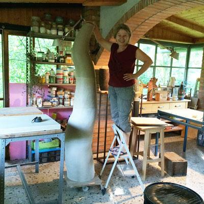 Dachgleiche - 2,10 m ..... fehlen noch die Brände, Farben, Glasuren..... die Malerei ist mir dazwischen gekommen.
