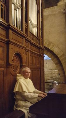 Frère Jean-Daniel à l'orgue