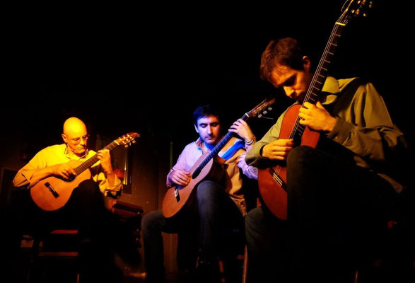16 de noviembre de 2014. Debut del trío Tallar el aire. De izquierda a derecha: Marcelo Coronel, Josué Guiñazú y Hernán Visintín.