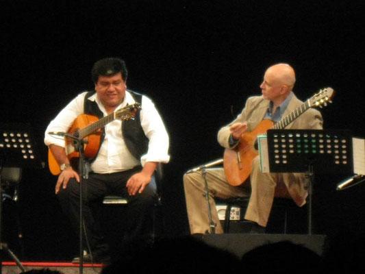 11 de julio de 2014. Lima, Perú. Festival Internacional de Guitarras Cuerdas al Aire. Compartiendo el escenario con Ernesto Hermoza.