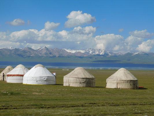 Jurten am Songköl (Kirgisistan)