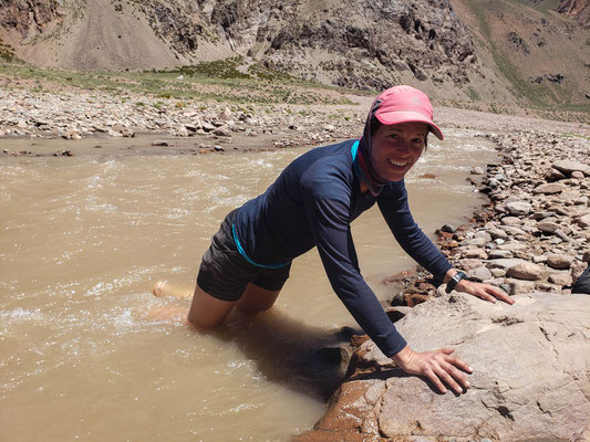 Refreshing leg dipping in the Vacas river