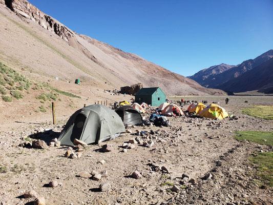 Casa de Piedra camp