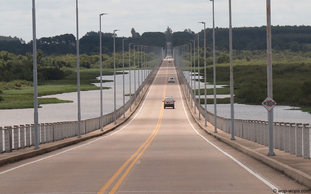 Uruguay-Argentina Border Bridge
