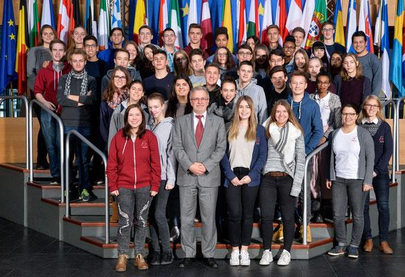 Besuch einer Gruppe des Neuen Gymnasiums aus Rüsselsheim am 19. Januar 2017.