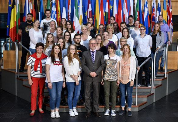 Besuch einer Gruppe Auszubildender aus dem Main-Taunus-Kreis am 16. Mai 2017.