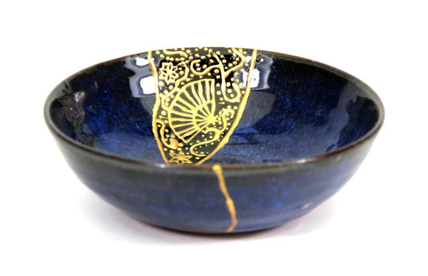 Bol Yobi Tsugi jointures à l'or.