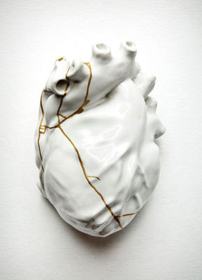Sculpture whiterabbit - whiteheart