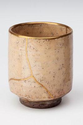 Tasse Kintsugi. Jointures à l'or.