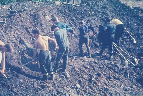 Ausschachtungsarbeiten im Herbst 1963
