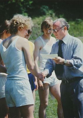 Sportfest am 23.05.1978, Siegerehrung für Uwe Herrmann (10. Klasse, Abi 1980)