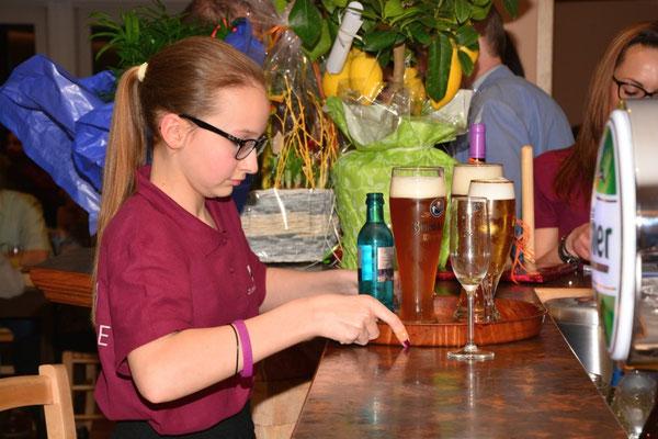 Die ganze Familie Will hilft mit im Restaurant Zum Kormoran am Wißmarer See