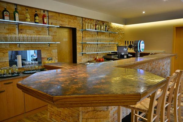 Die neu renovierte Theke im Restaurant Zum Kormoran am Wißmarer See