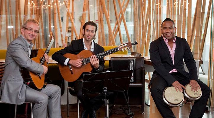 Acoustic Latin Guitars als Duo oder Band - Instrumentale Musik aus Spanien und Lateinamerika