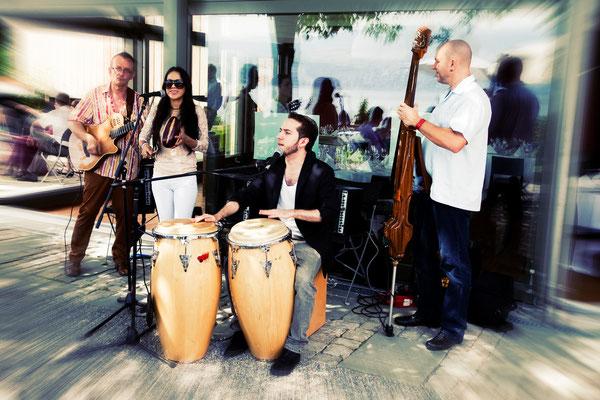 Corazon Latino Trio - 6-tett mit Gloria Velandia und Sebastian Enrique