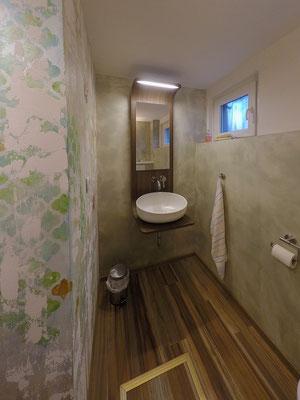 Kunden-WC ohne Fliesen Sandeco