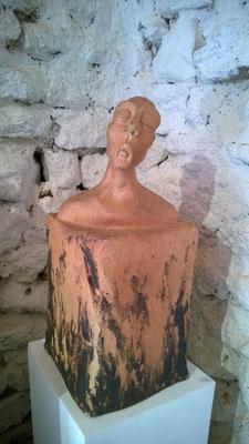 """""""Sur colonne"""" Sculpture grès noir cuisson Noborigama H38cm """"Pièce Unique"""" -Juan José Ruiz dit """"Caco""""  Artiste Sculpteur/Auteur"""