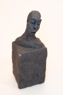 """""""Sur colonne"""" Sculpture African stone cuisson Noborigama H23cm """"Pièce Unique"""" -Juan José Ruiz dit """"Caco""""  Artiste Sculpteur/Auteur"""